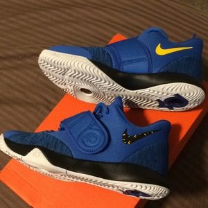 Wow new !! Nike KD Trey 5 shoes 😎